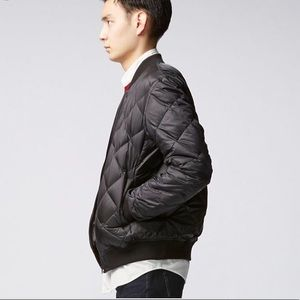 Uniqlo Ultralight Down Quilted Bomber -Black